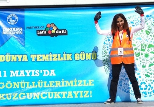 "Humphrey alumni Derya Kaya (2013-2014) talks about her humphrey experience and an     environmental project she has started and coordinated for two years, ""lets do it!Turkiye"""